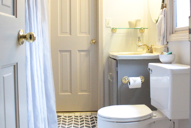 Jack & Jill bathroom - featured image