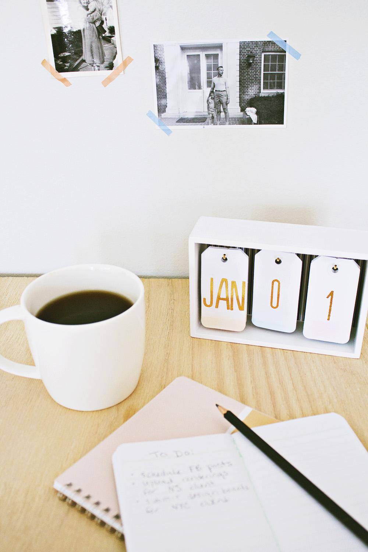 DIY Modern Desk Calendar
