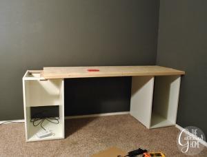 Desk Construction6[3]