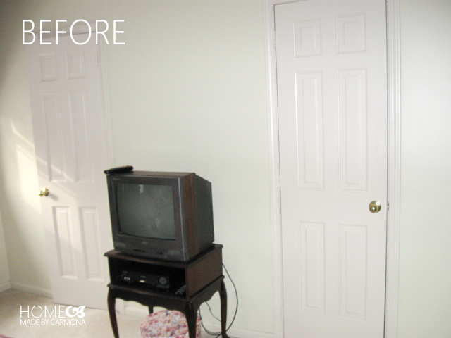 Violet bedroom before - double doorwall