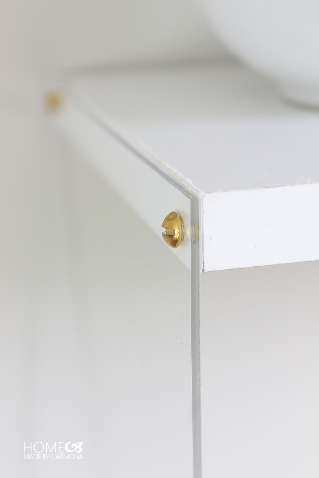 Acrylic-Shelves-Screws