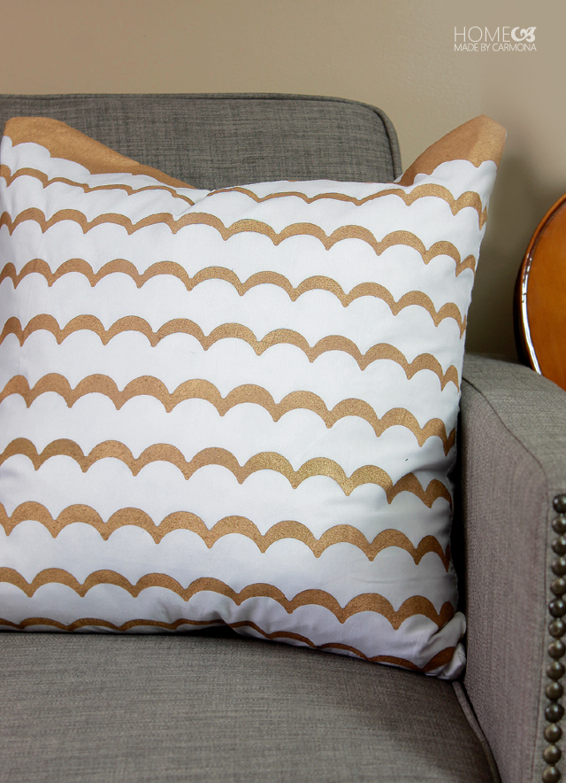 Scallop designed DIY throw pillow