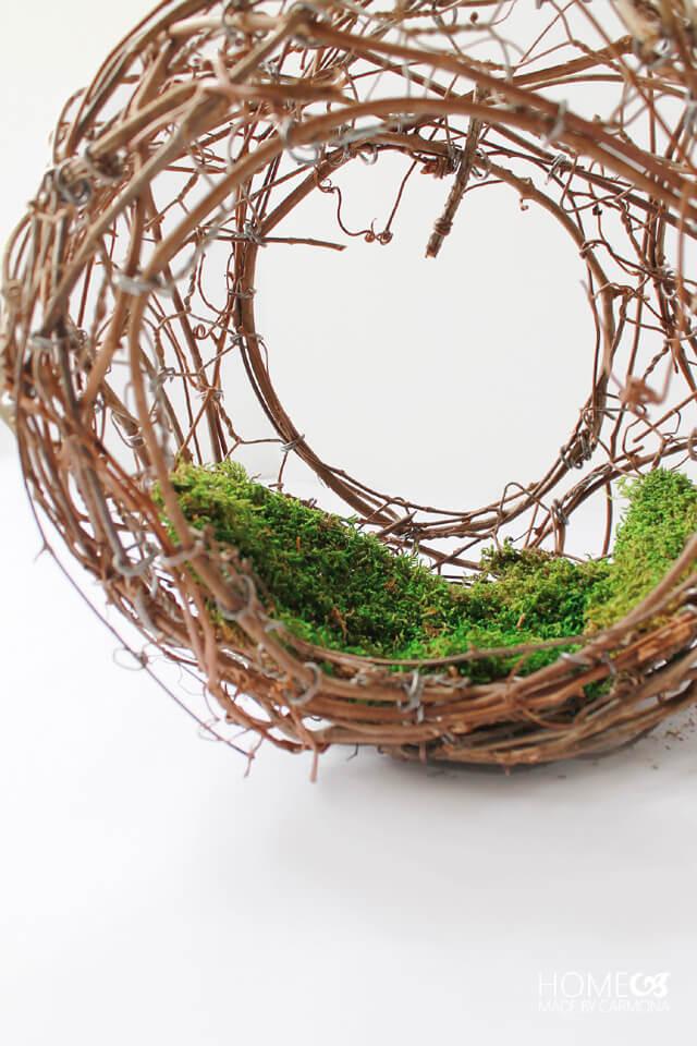 Peekaboo vine wreath - add moss