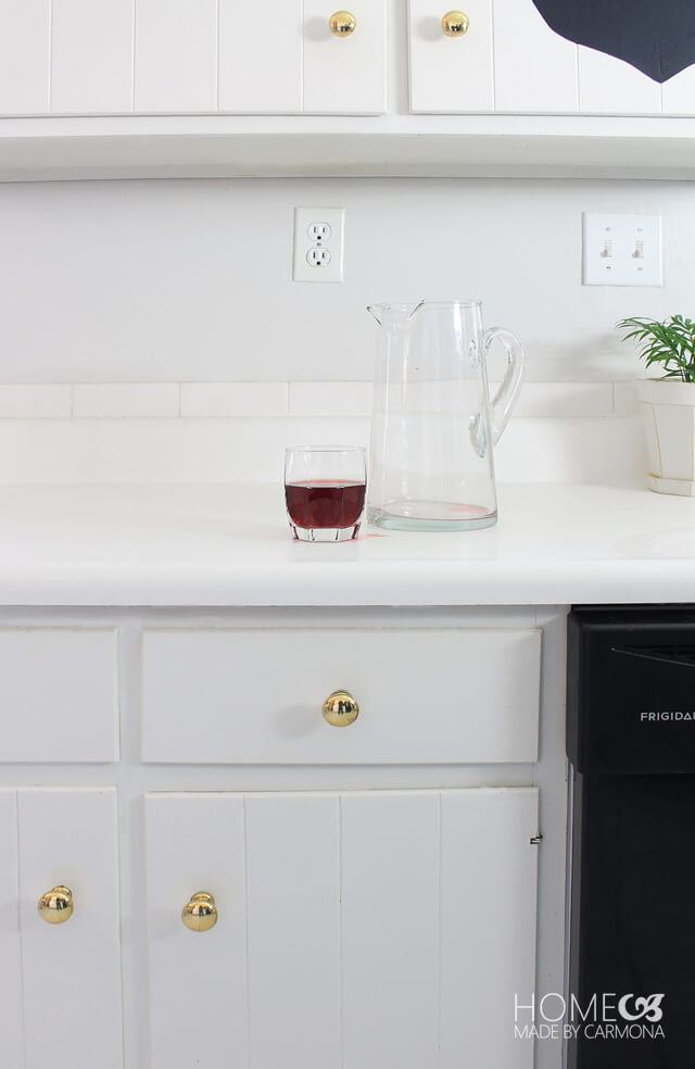White kitchen versus juice