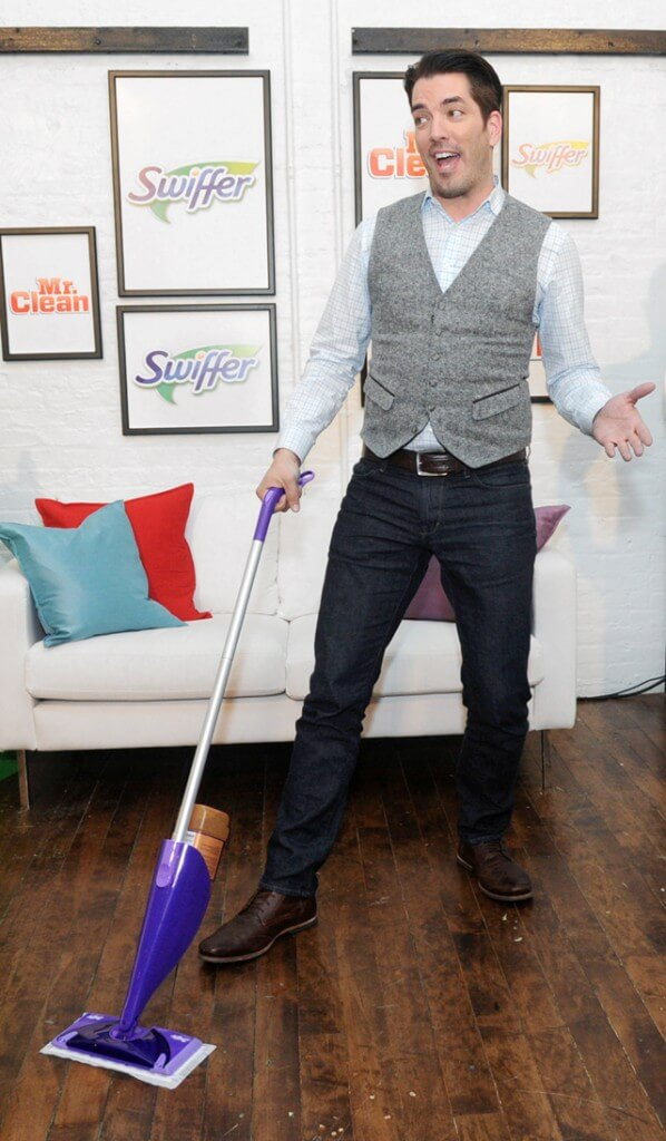 "Home design expert and ""Property Brother"" Jonathan Scott hosts a Swiffer and Mr. Clean event in New York"