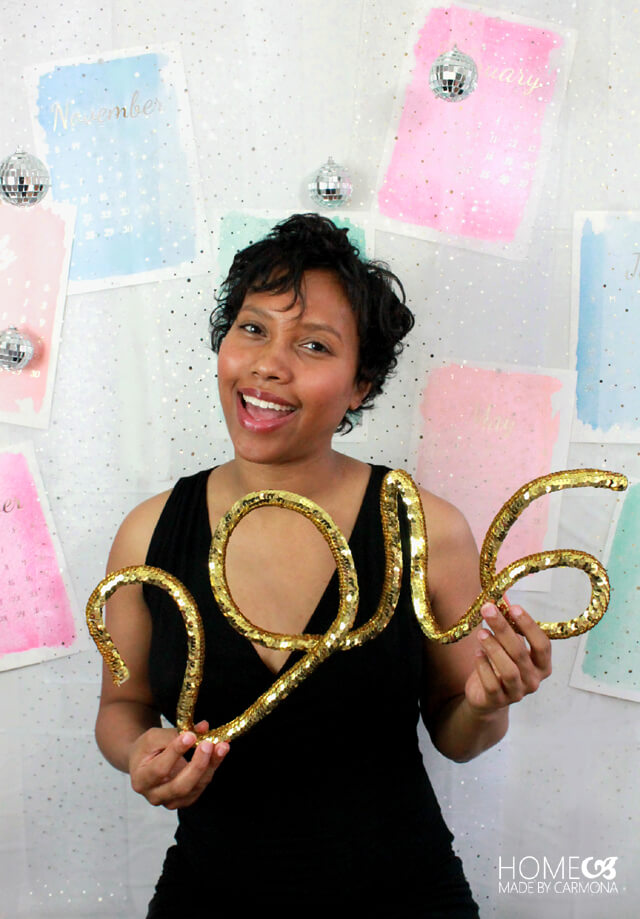 diy-new-year-photo-backdrop-and-props