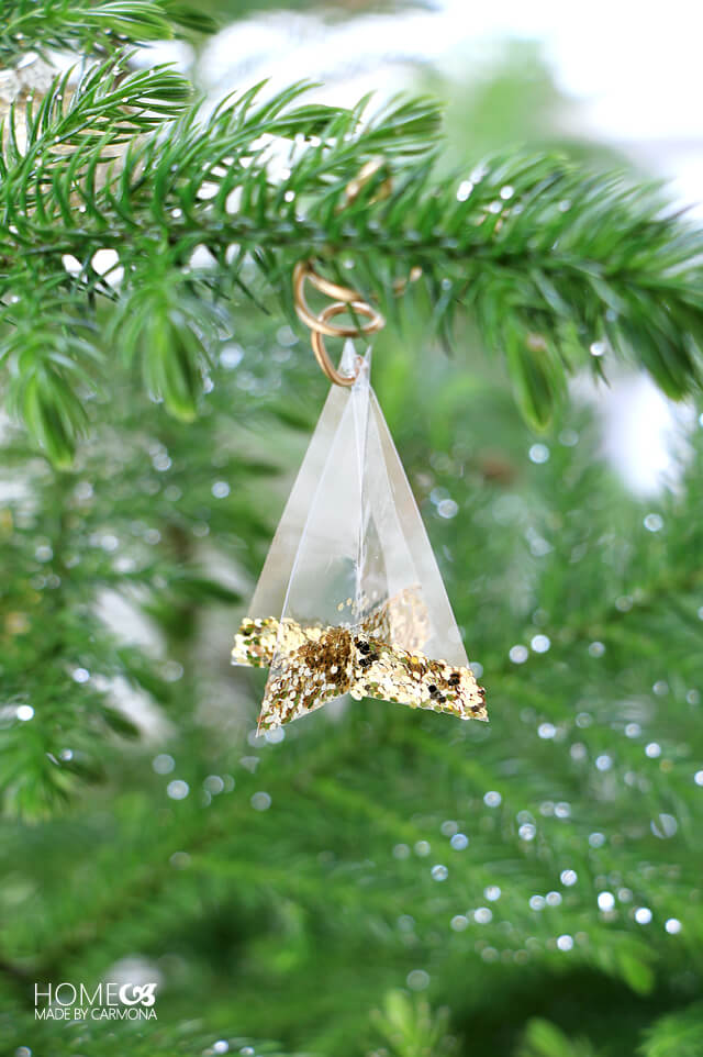 transclucent-christmas-tree-ornaments
