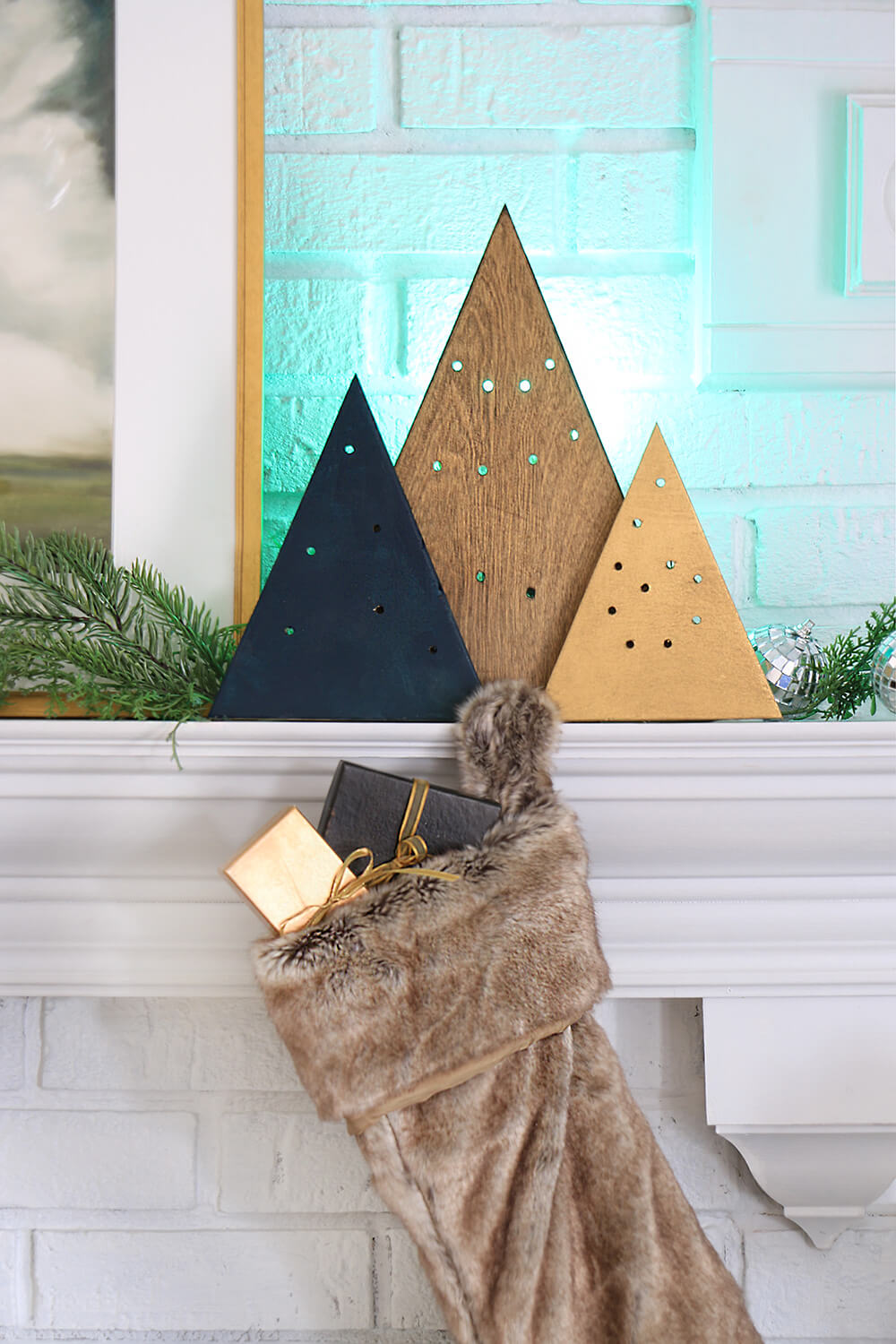 DIY-Holiday-Light-Mantel-Decor