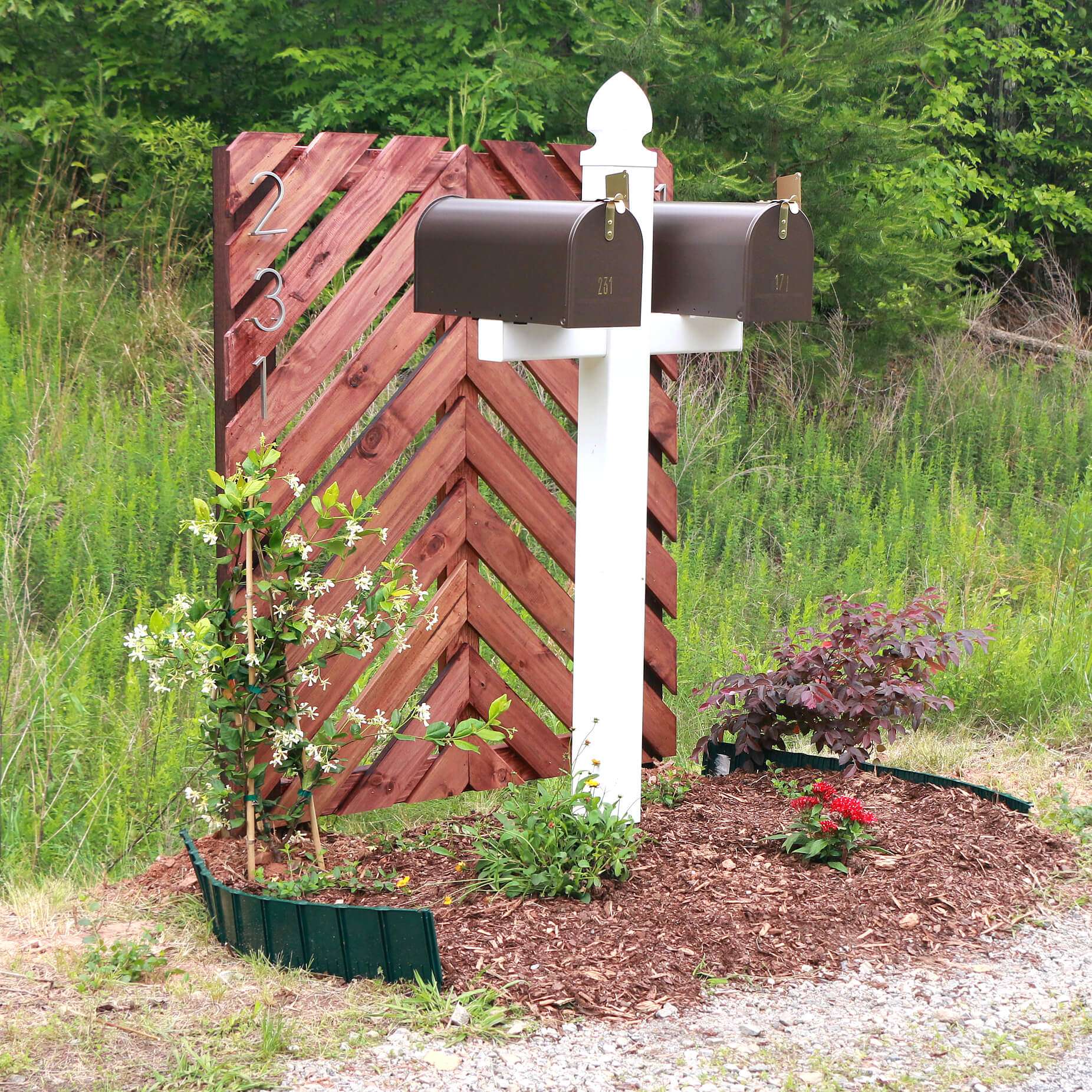 Mailbox curb appeal - 550