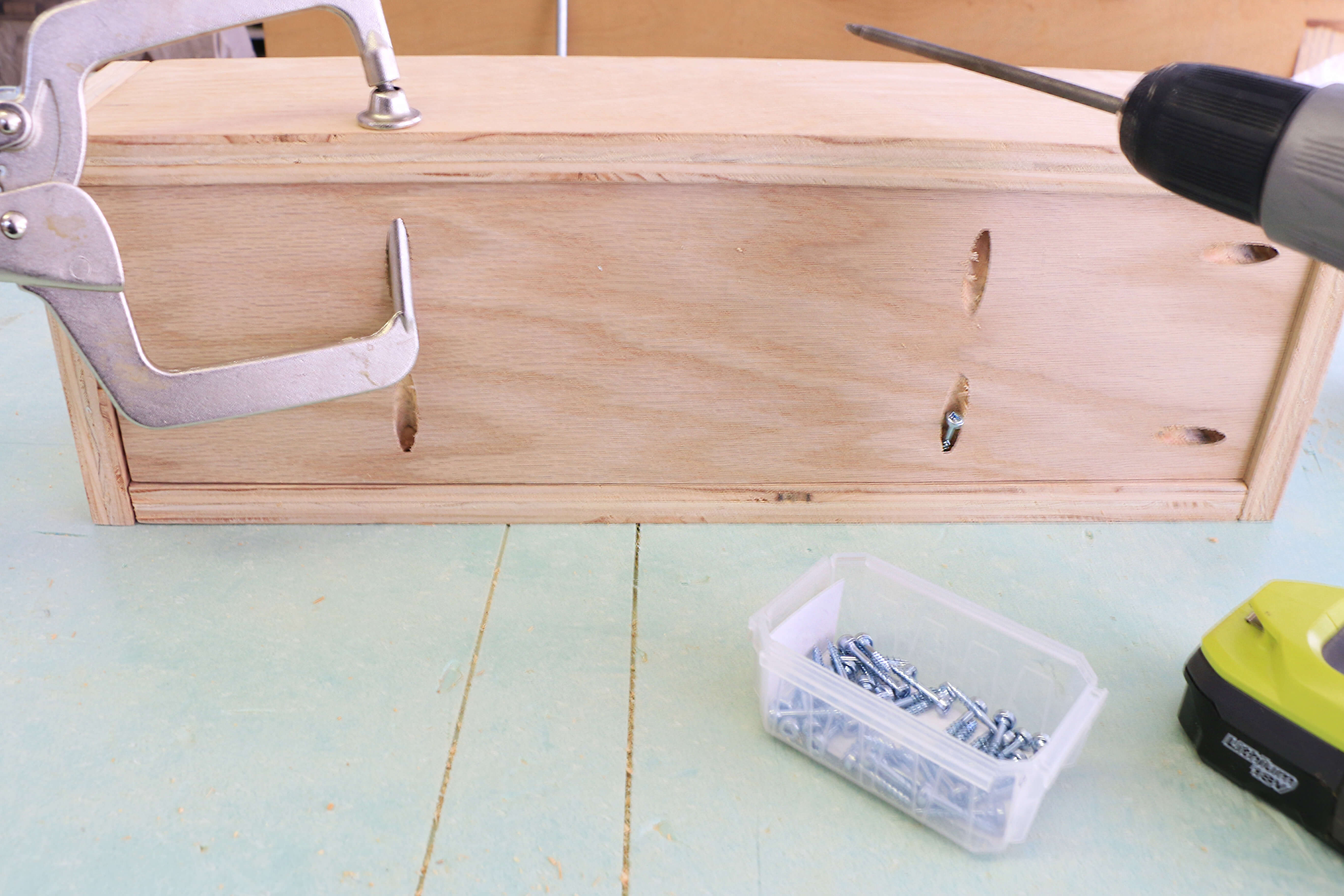 Attach-bottom-panel