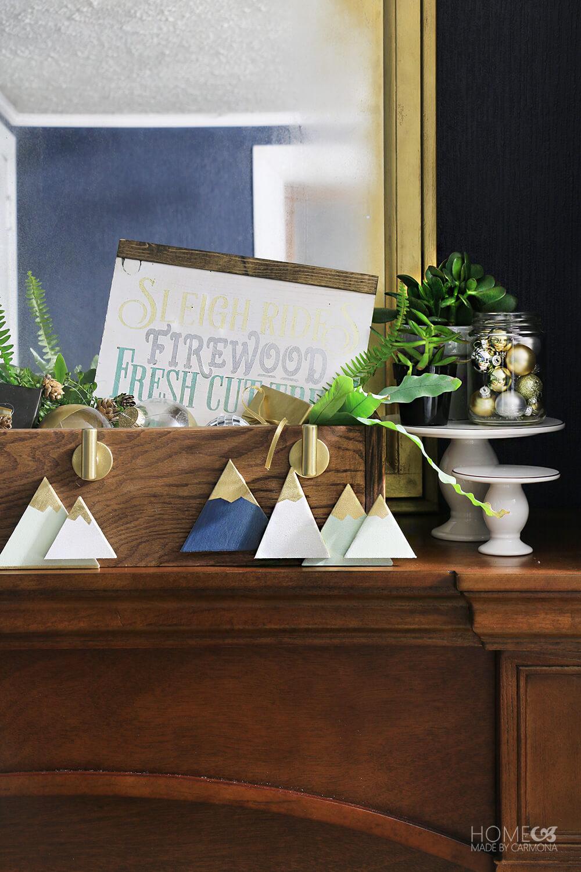 DIY-Christmas-Stocking-Hanger-Box