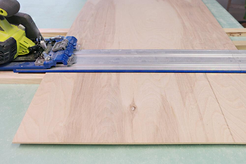 Folding Table -00