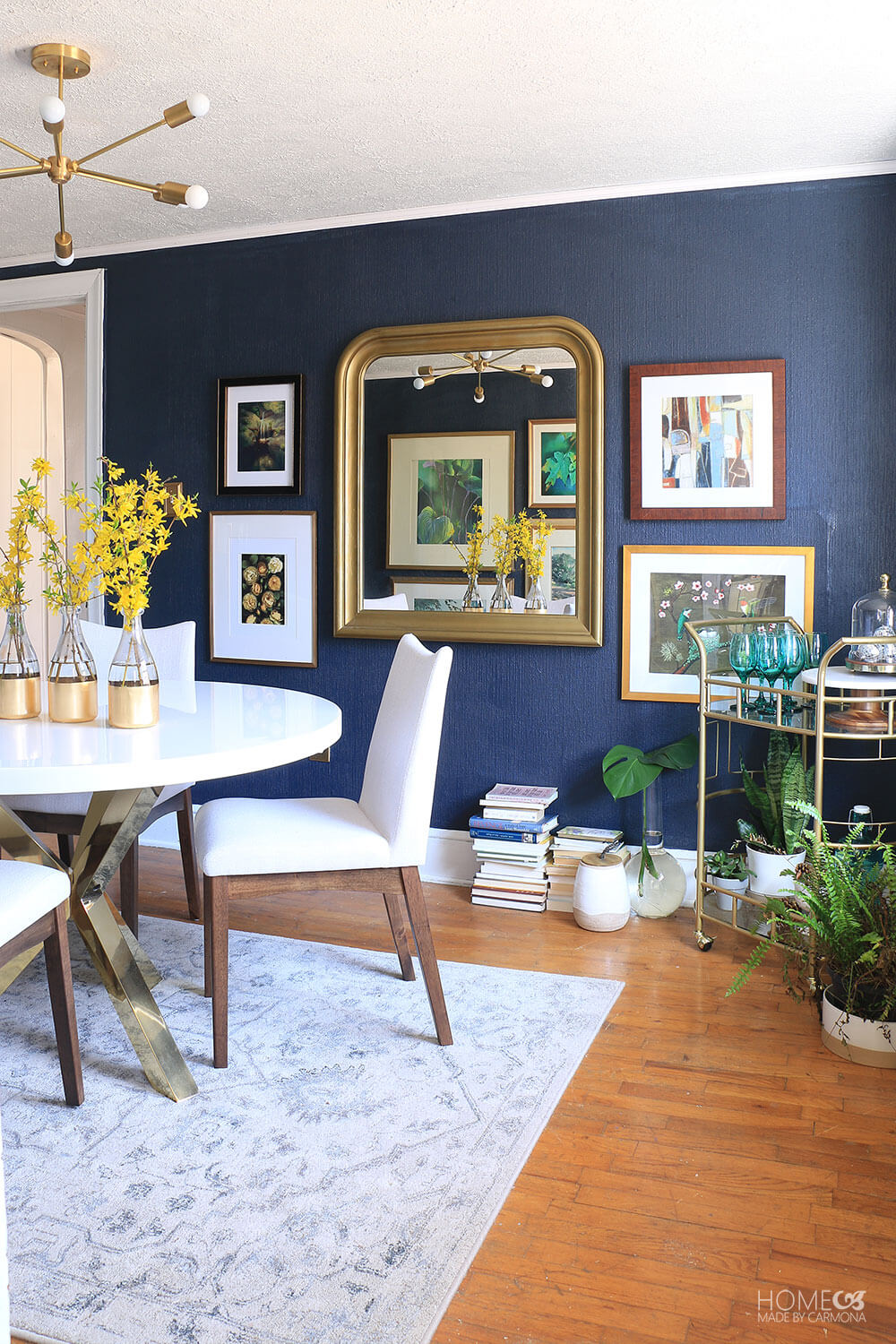 Eclectic-Small-Dining-Room