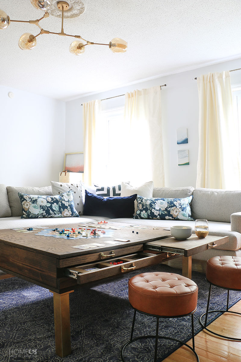 Living-room-coffee-table-with-pullouts