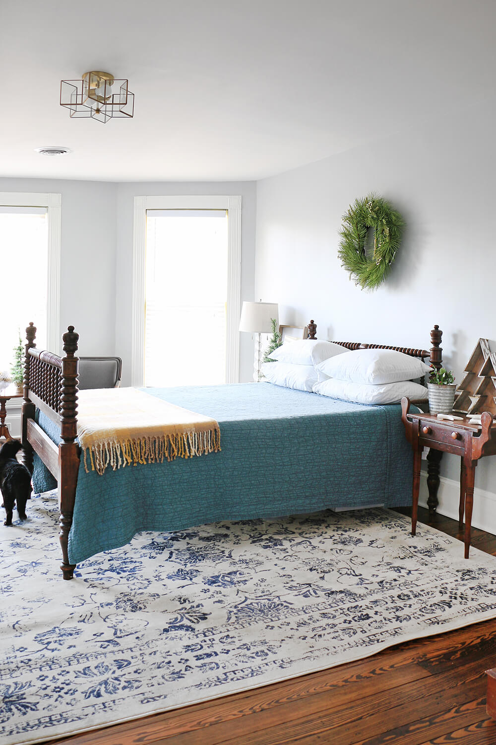 Blue-guest-room