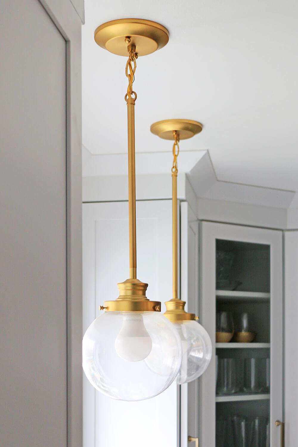 Hanging-Gold-Sconce