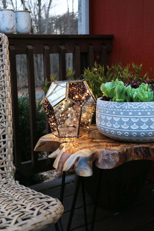 Solar powered mirror lantern