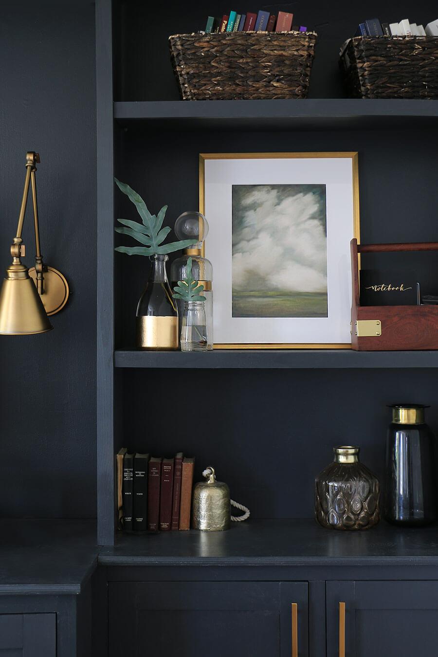 Art-on-shelf
