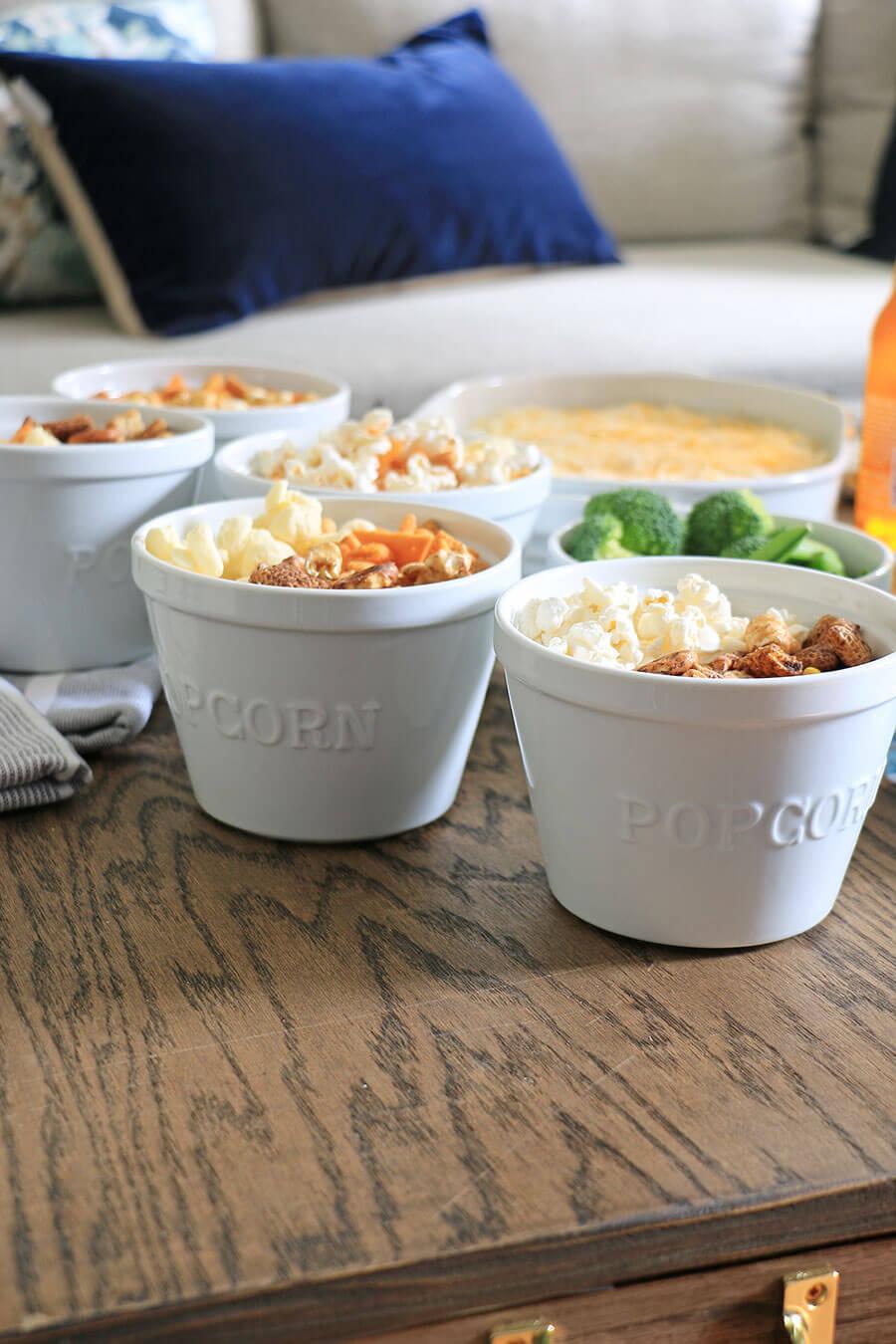 Porcelain popcorn bowls