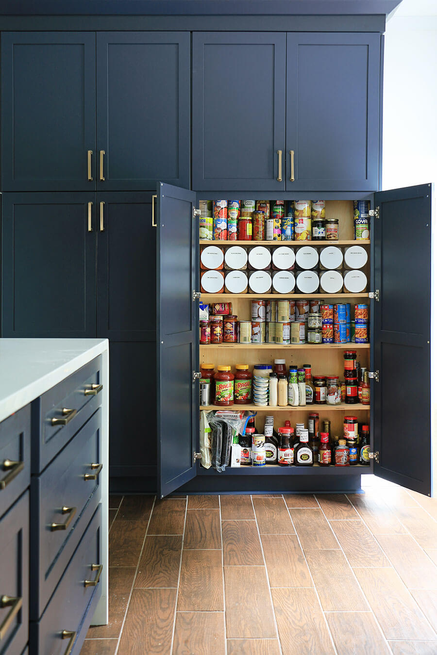 Food-cabinet-cans-and-containers-storage