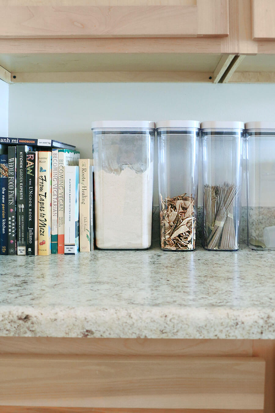 Kitchen-food-storage-containers
