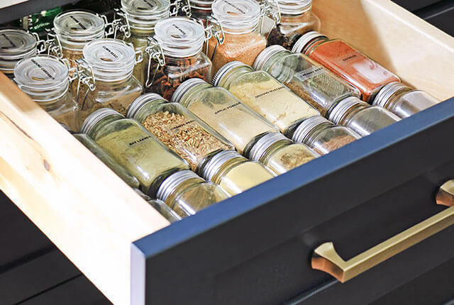 6-Tips-For-Organizing-Spices-FI