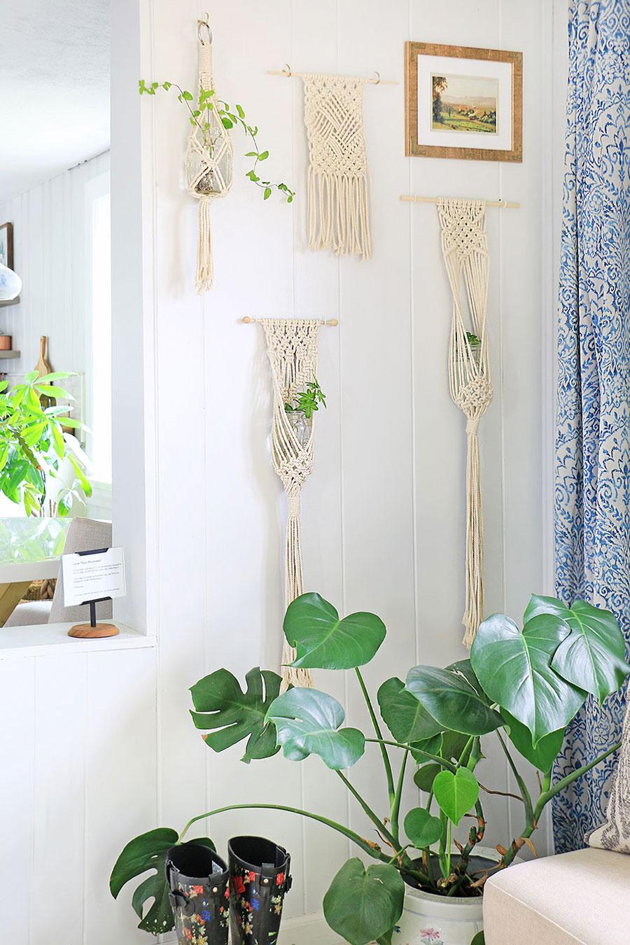Macrame-plant-hangers