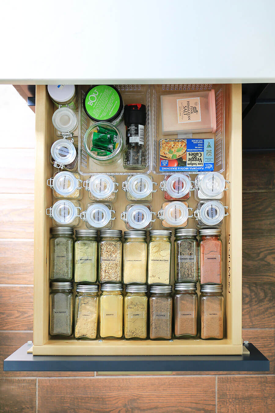 Organized-spices-in-a-drawer