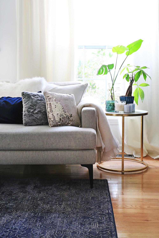 Sofa-and-throw-pillows