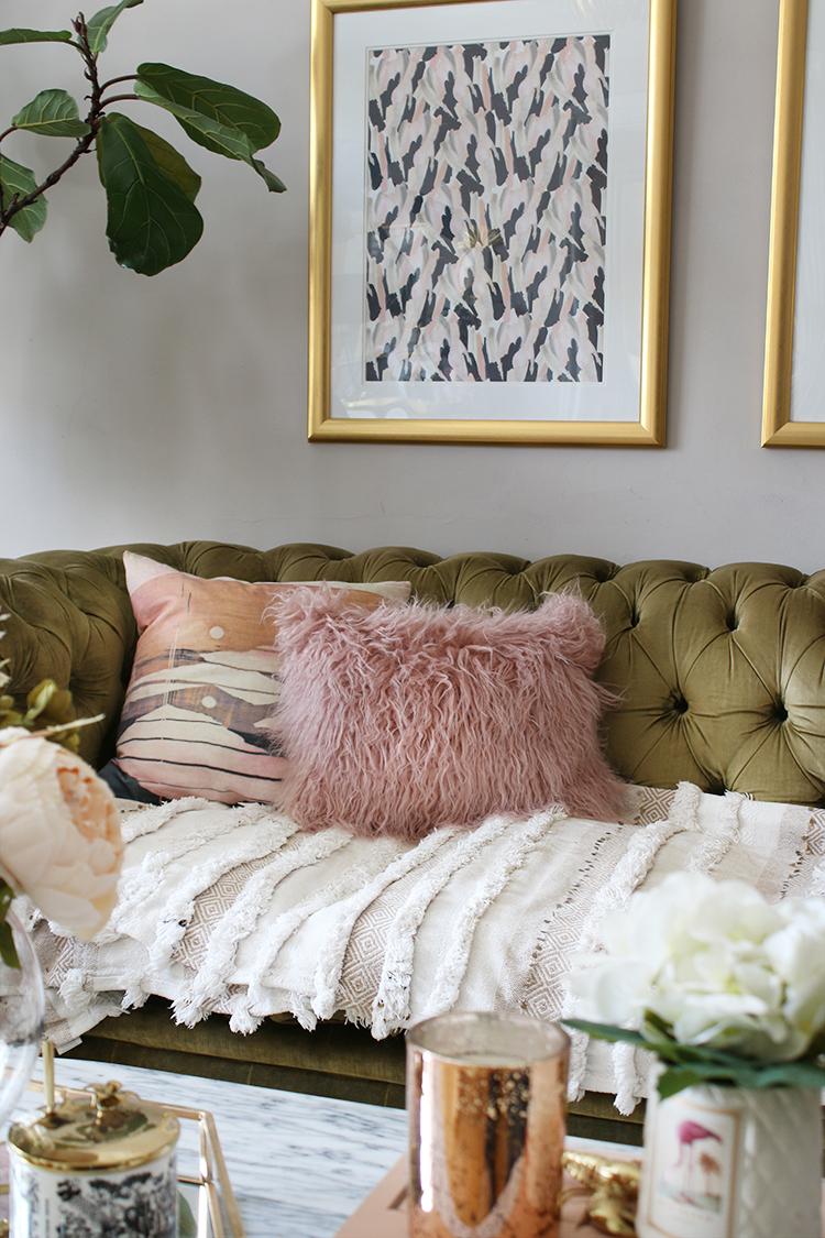 SwoonWorthy blog sofa