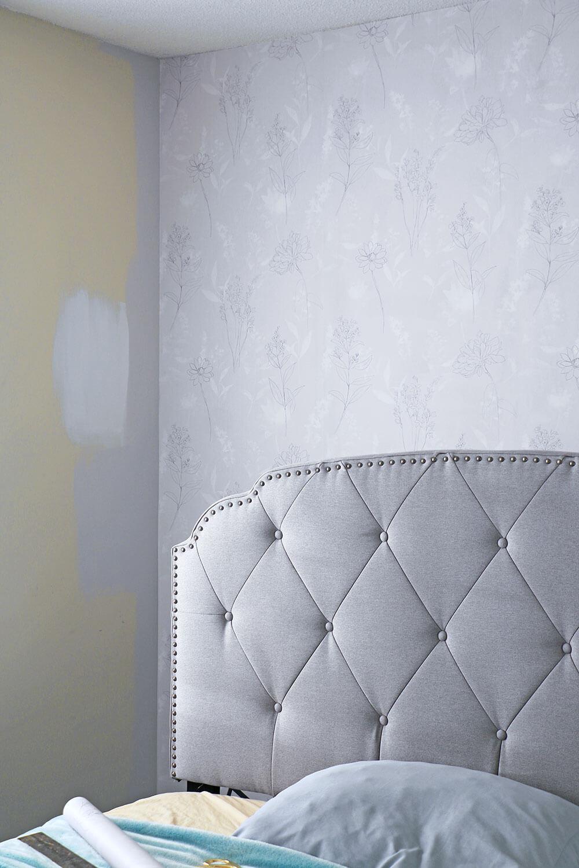 Grey-wallpaper-and-headboard