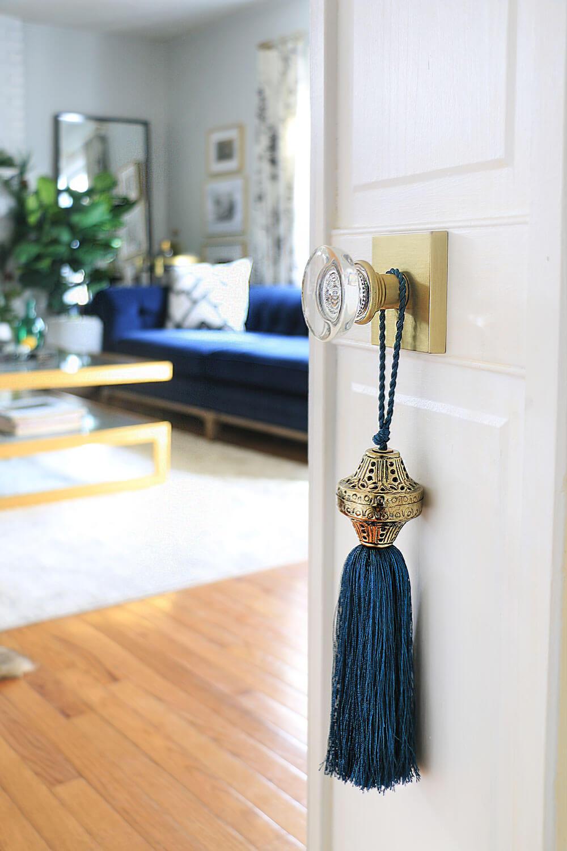 Tasssel-on-a-closet-door
